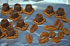 ROLO PECAN PRETZEL BITES-A MUST FOR YOUR CHRISTMAS PLATTERS!! - Hugs and Cookies XOXO