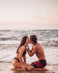 Couple Beach Pictures, Cute Couples Photos, Cute Couples Goals, Romantic Couples, Couple Goals, Honeymoon Pictures, Honeymoon Ideas, Couple Pics, Couple On The Beach