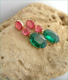 Green/pink /Gold crystal Swarovski earrings luxe Boucles Swarovski, Pink And Gold, Gemstone Rings, Turquoise, Gemstones, Jewellery, Green, Earrings, Crystal