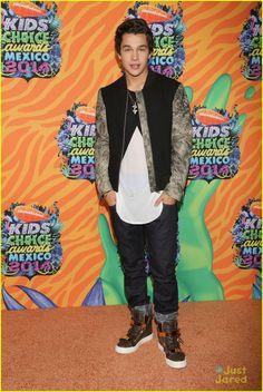 4e9205df56bfb Austin Mahone Gets Majorly Slimed at Kids  Choice Awards Mexico 2014! Kids  Choice Award