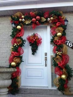 Best 12 Check out these amazing Front Porch Christmas Decorating Ideas with outdoor lanterns, Christmas lights, holiday wreaths and garlands. So take your outdoor Christmas decorations to the next level with these amazing ideas! Large Christmas Ornaments, Front Door Christmas Decorations, Diy Christmas Garland, Noel Christmas, Holiday Wreaths, Christmas Lights, Primitive Christmas, Country Christmas, Christmas Christmas