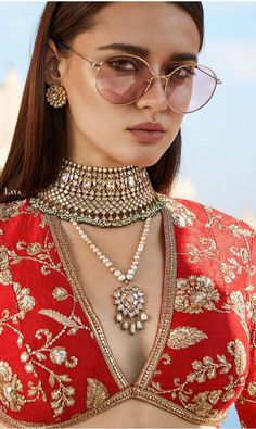 Jewelry OFF! Indian Bridal Fashion, Indian Wedding Jewelry, Indian Jewelry, Bridal Jewelry, Indian Dresses, Indian Outfits, Saree Jewellery, Stylish Blouse Design, Sabyasachi
