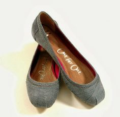 Simple And CuteToms Ballet Flats the first pair of toms I actually like the looks of, may actually get a pair now