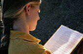 Spotting Hearing Problems in Infancy May Boost Reading Skills in Deaf Teens