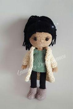 Tenia muchas ganas de compartir con vosotros a Noemí, ella es una dentista maravillosa que además de calmarme mis dolores que no han sido po... Crochet Dolls, Crochet Hats, Amigurumi Toys, Crochet Animals, Bull Terrier, Doll Patterns, Doll Toys, Sewing Hacks, Picsart