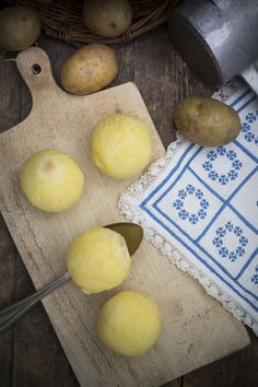 This recipe for Czech potato dumplings or bramborove knedliky ze studenych brambor calls for cold, unseasoned mashed potatoes. This recipe for Czech potato dumplings or bramborove knedliky ze studenych brambor calls for cold, unseasoned mashed potatoes. Bread Dumplings, Potato Dumplings German, Drop Dumplings, Slovak Recipes, Czech Recipes, Ethnic Recipes, Food Processor Uses, Food Processor Recipes, German Recipes