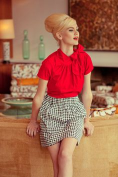 This red top. LOVE.