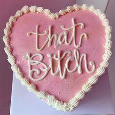 Pretty Birthday Cakes, Pretty Cakes, 17 Birthday Cake, Funny Birthday Cakes, 18th Birthday Party, Girl Birthday, Pastel Cakes, Heart Cakes, Funny Cake