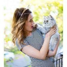 With Mitaine!! Emma Verde, Youtubers, Photos Tumblr, Ariana Grande, Pretty Girls, Besties, Cat Lovers, Girly, Celebrities