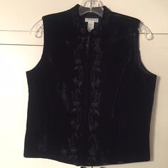 NWT Ann Taylor vintage top Velvety feel with embroidered accents, bought on sale for $40 Ann Taylor Tops