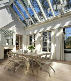 Skylights bring warmth, light and coziness when the rain is falling to a room/s. As for this room is makes for a lovely way to eat and entertain. #skylight  #sydney