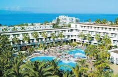 Hotel IBEROSTAR Las Dalias is een gezellig 4-sterren hotel dat voorzien is van alle gemakken voor een heerlijke vakantie. Er zijn 2 zwembaden, fitness, squash, buitenbar met terras, poolbar en een restaurant.    Voor de allerjongste gasten is het elke dag weer een feestje in de miniclub van het hotel.    Het hotel is supercentraal gelegen ten opzichte van het strand, bars, restaurants en winkels. In de directe omgeving van het hotel vind je diverse winkelcentra.  Officiële categorie ****
