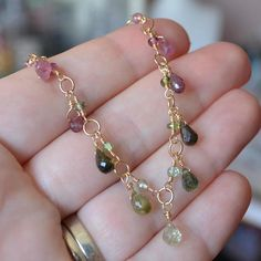 Real Tourmaline Necklace Pink and Green Gemstone Drops Wire Wire Wrapped Jewelry, Wire Jewelry, Jewelry Crafts, Gold Jewelry, Beaded Jewelry, Jewelry Bracelets, Diy Necklace, Necklace Designs, Gemstone Necklace