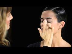 Natura cosméticos - Portal de maquillaje - Paso a paso - Look Boca Bicolor