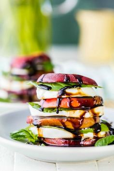 Summer was made for these Peach Caprese Stacks. I'm holding onto Summer as long as possible with these healthy Peach Caprese Stacks with Honey Bourbon Balsamic Reduction! Salad just got a makeover! Vegetable Recipes, Vegetarian Recipes, Cooking Recipes, Healthy Recipes, Healthy Dishes, Skinny Recipes, Healthy Treats, Healthy Summer Snacks, Smoothies