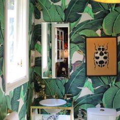 Waan je in de jungle met het Martinique Banana Leaf wallpaper van Hinson - Roomed