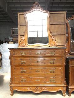 Victorian Italian Marble Top Antique Walnut Bedroom Set Carved Dresser    15it010