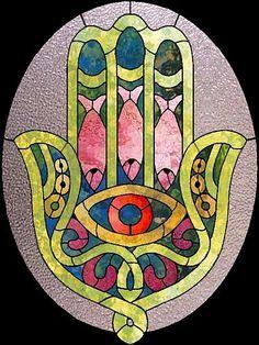 hamsa in stained glass Mosaic Art, Mosaic Glass, Glass Art, Hamsa Symbol, Hamsa Art, Decoupage, Jewish Art, Hand Of Fatima, Stained Glass Patterns