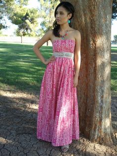 Sew Her Style: A stroll in the park -Maxi Dress  Like this pattern.