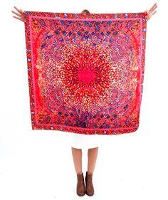 daea40d847ae Laissez vous charmer par ses couleurs vives et estivales. Une ronde de  couleurs harmonieuses qui