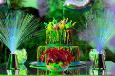 Bolo de aniversario pata festa neon