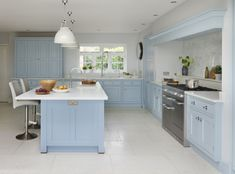 'Blue Kitchen' was the brief for this Yorkshire kitchen from the outset. With hand-painted 'New Classic' furniture in our 'Summer Sky' blue paint, this kitchen is the perfect space for family dining. Handmade Kitchens, Custom Kitchens, Bespoke Kitchens, Cool Kitchens, Family Kitchen, New Kitchen, Kitchen Ideas, Martin Moore Kitchens, New Classic Furniture