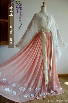 漢服Chinese-Hanfu. in 2019 Mode Outfits, Dress Outfits, Fashion Dresses, Dress Up, Dresses Dresses, Kimono Fashion, Prom Dress, Pretty Outfits, Pretty Dresses