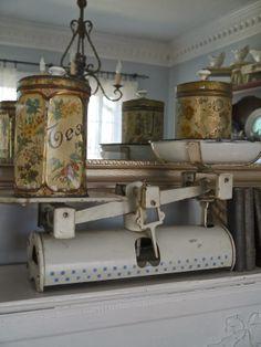 Chateau Chic: Vintage Tins