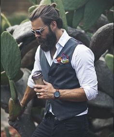 pocket squares and tie sets Beard Trend, Herren Style, Vest Outfits, Casual Outfits, Men's Wardrobe, Sharp Dressed Man, Hair And Beard Styles, Gentleman Style, Business Fashion