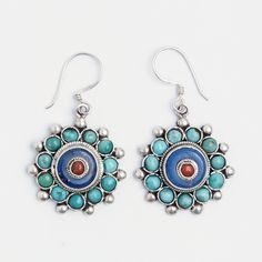 Cercei mandala Langtang, argint, turcoaz tibetan, lapis lazuli și coral, Nepal  #metaphora #earrings  #lapislazuli #nepal #mandala #silverjewellery #silverjewelry #coral
