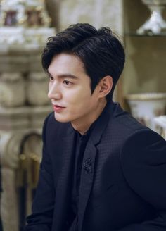 Find images and videos about lee min ho, leeminho and legend of blue sea on We Heart It - the app to get lost in what you love. Park Hae Jin, Park Shin Hye, Jung So Min, Boys Over Flowers, Asian Actors, Korean Actors, Heo Joon Jae, Lee Jong Suk, Lee Seung Gi