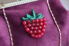 """Купить Брошь """"Спелая малина"""" - малина, ягода, брошь, малиновый, красный, бардовый, спелая, украшение"""