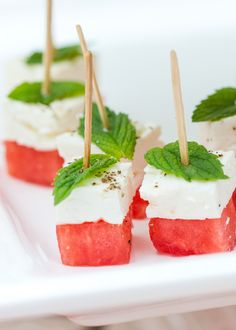 Watermelon Feta Skewers The perfect summer appetizer, these watermelon feta skewers are delicious for your parties all summer long! You will love this healthy appetizer! - Everything About Appetizers Skewer Appetizers, Cold Appetizers, Finger Food Appetizers, Appetizers For Party, Easy Summer Appetizers, Delicious Appetizers, Appetizer Ideas, Beach Appetizers, Tropical Appetizers