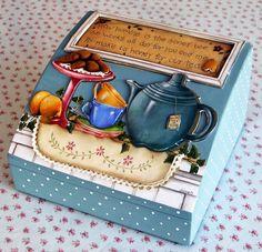 cute tea box @Carolina Krupinska Krupinska Krupinska Araya