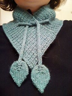 Knitting Easy Pattern Scarf Neck Warmer : FREE Knitting Pattern: Crossover Baby Booties Patterns, Ties and Super easy