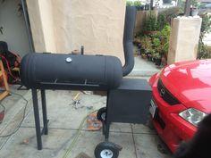 smoker build with propane tank : smoking Backyard Smokers, Fire Pit Backyard, Backyard Bbq, Backyard Landscaping, Rotisserie Smoker, Custom Smokers, Smoker Designs, Diy Smoker, Patio Pictures