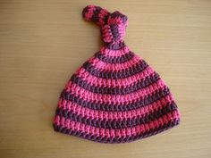 Lovely Hand Knitted Chunky Baby Elf Style Hat 3-6 monthsMade With Rowan Big Wool