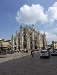 Blick auf den Domplatz und auf den Mailänder Dom, Mailand, Italien