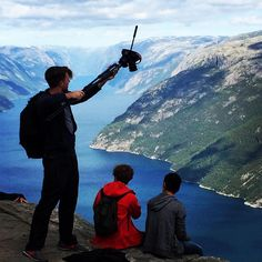 Summiting Arnold and team DreamJobbing are pretty brave to be dangling their feet off the ledge. The Ledge, Dream Job, Norway, Mount Everest, Brave, Mountains, Pretty, Instagram Posts, Bergen