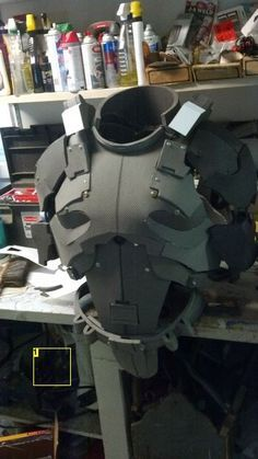 to Make Foam Armor How to make foam gear, this would be awesome for an Airsoft outfit.How to make foam gear, this would be awesome for an Airsoft outfit. Tutorial Cosplay, Cosplay Diy, Cosplay Costumes, Anime Cosplay, Foam Costumes, Robot Costumes, Costume Tutorial, Male Cosplay, Armadura Cosplay