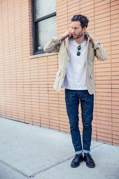 3Bベージュジャケット,白Tシャツ,ジーンズ,メンズ着こなし