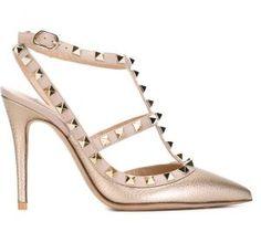 Sapato modelo  Rockstud  Valentino Garavani