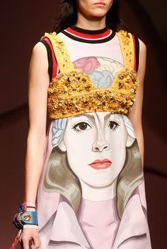 Prada Spring 2014 Ready-to-Wear Fashion Show Details
