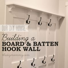 a Board & Batten DIY Hook Wall Build a Board & Batten DIY Hook Wall. Complete tutorial with photos and materials list!Build a Board & Batten DIY Hook Wall. Complete tutorial with photos and materials list! Do It Yourself Furniture, Do It Yourself Home, Diy Furniture, Industrial Furniture, Diy Wand, Home Renovation, Home Remodeling, Kitchen Remodeling, Diy Bathroom