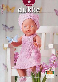 """: Passer til dukker på cm.Materialer: """"Mandarin Petit bomuld, 50 g = 180 m): 100 g rosa nr. 1 knap til kjole, 2 små knapper til Knitting Dolls Clothes, Crochet Doll Clothes, Knitted Dolls, Crochet Dolls, Preemie Crochet, Crochet Baby, Knitting For Kids, Baby Knitting Patterns, Baby Born Kleidung"""