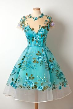So beautiful!! I would wear this in a heartbeat!