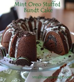 Mint Oreo Stuffed Bundt Cake -  Small_Town_Woman