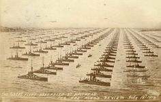 z- Great Fleet Assembled at Spithead, July I (Propaganda ploy to intimidate the Germans. George Hill, King George, Women's Land Army, Flanders Field, History Images, Navy Ships, Submarines, Model Ships, Royal Navy