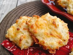 Jamie Cooks It Up!: Red Lobster Cheese and Garlic Biscuits