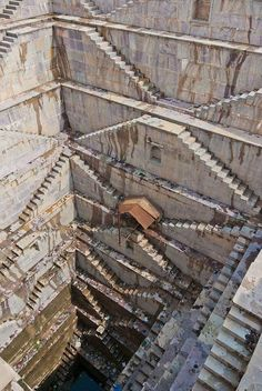 A Step-Well located in Rajasthan, India. - 9GAG